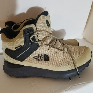 North face men boots size 9